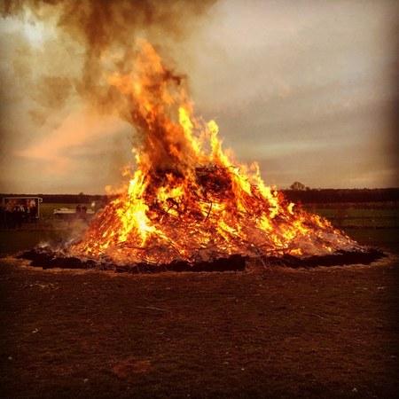 Grand feu du village de Harre